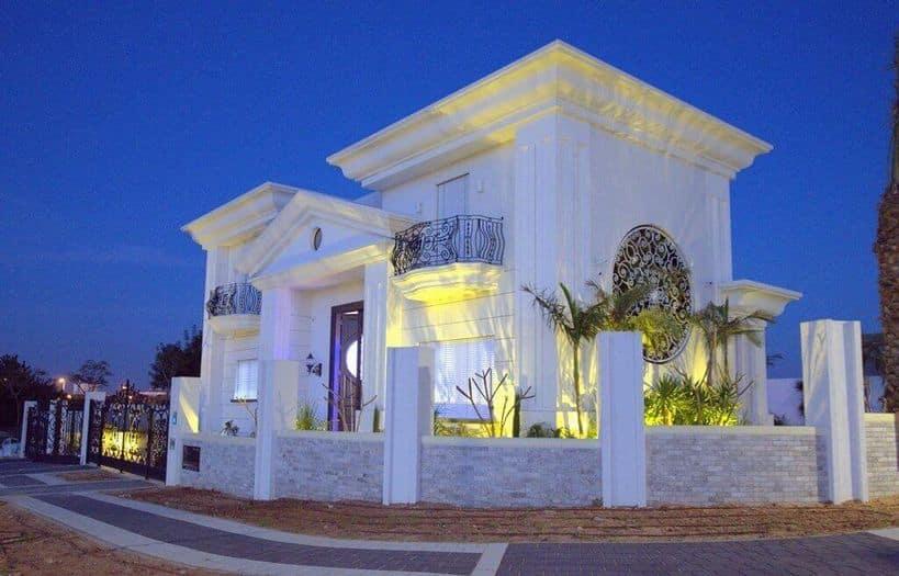 בית לבן בעיצוב אדריכלי ייחודי