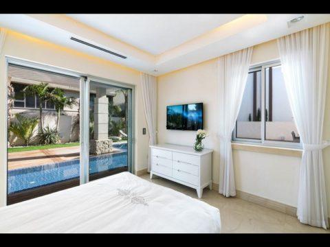 חדר שינה לבן ויוקרתי