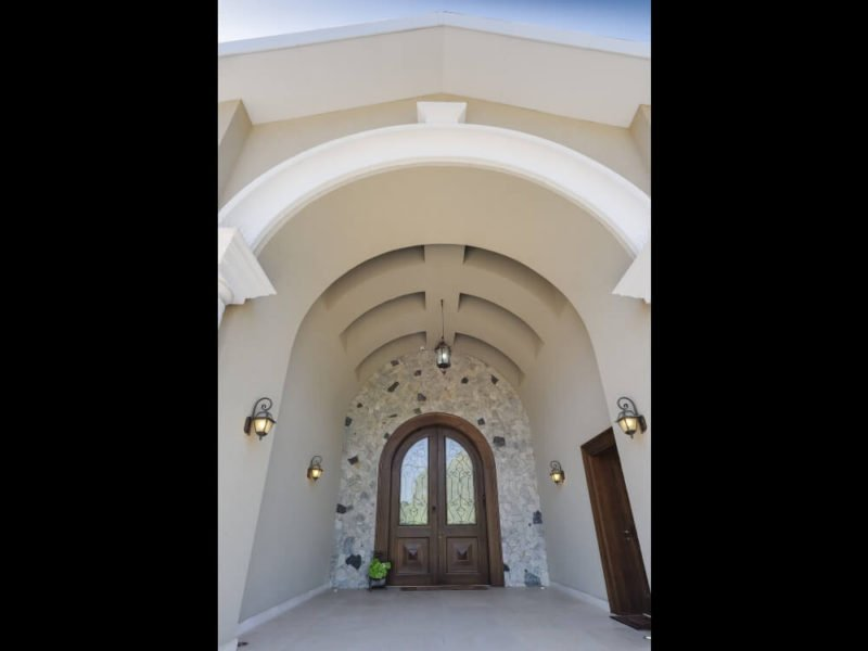 כניסה מפוארת בעיצוב של של מלכה אדריכלים