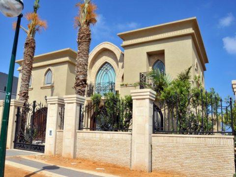 חזית בית בסגנון מרוקאי לאחר תכנון אדריכלי