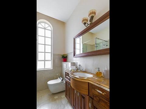 חדר אמבטיה מעוצב על ידיי אדריכל