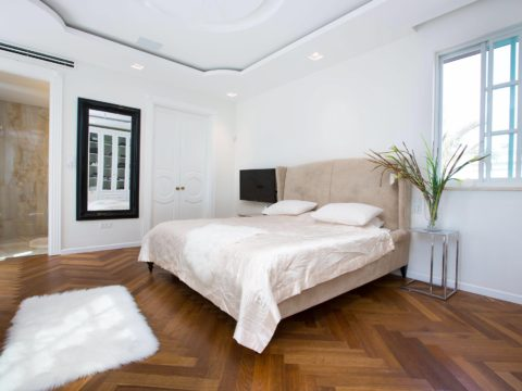 חדר שינה מעוצב בסגנון מודרני